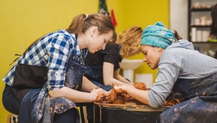 master-the-art-of-pottery-class-for-family-kyiv