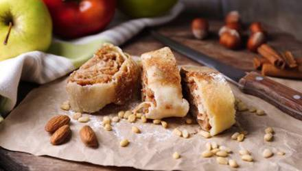 master-class-on-cooking-strudel-for-twou-kiev