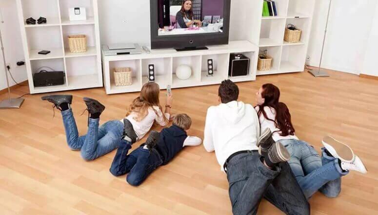 Новинка для всей семьи – подписка Кино и ТВ на EMOZZI!
